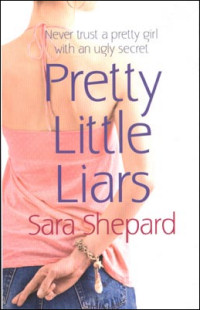 Copertina del primo volume di Pretty Little Liars